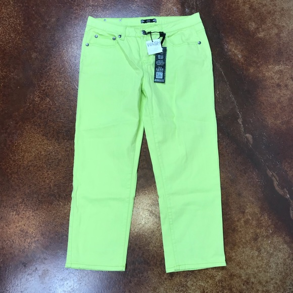 Tru Luxe Jeans Denim - NWT Tru Luxe Jeans 31/12 lime green cropped jeans